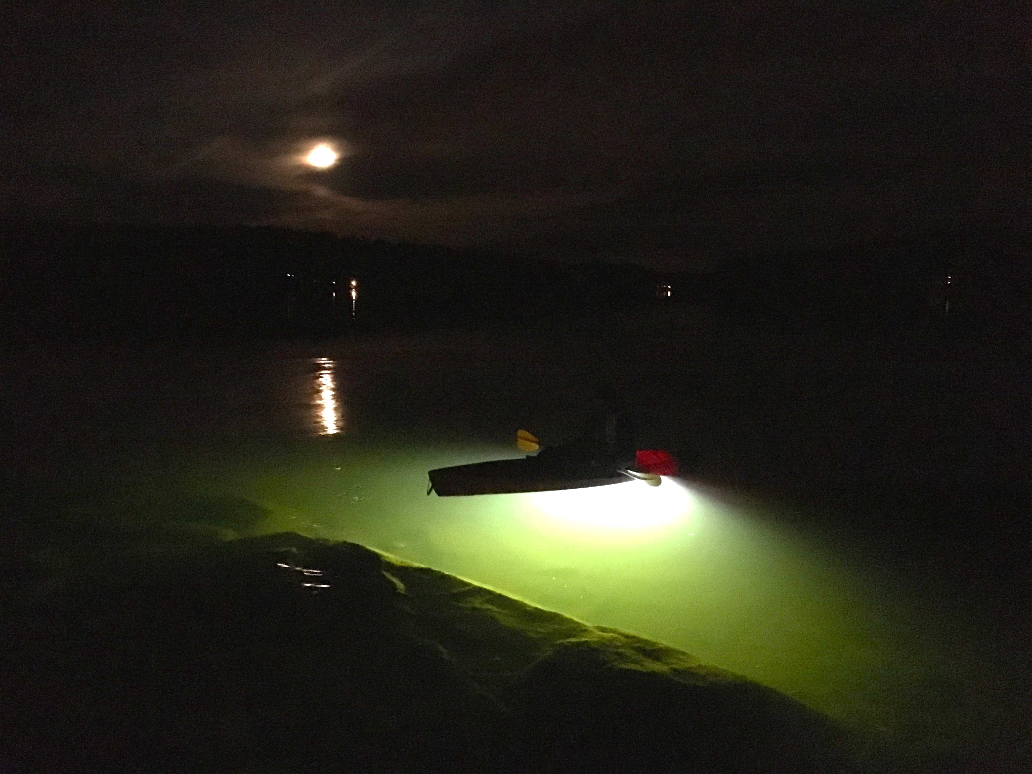 High power underwater led kayak fishing lightsloomis led for Kayak lights for night fishing
